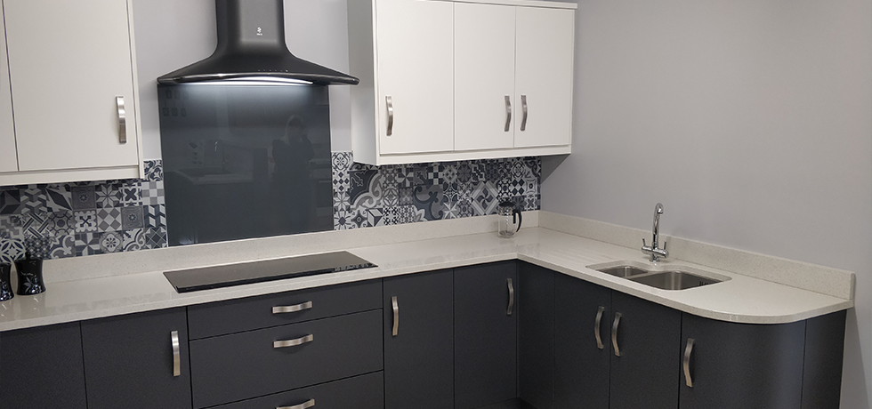HHI Home Improvement Centre, Northern Ireland displaying Vista Casablanca Grey splashback