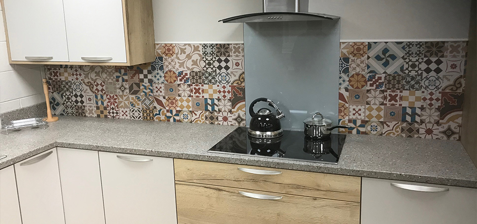 JHC Hardware, Northern Ireland displaying Vista Casablanca Multi splashback