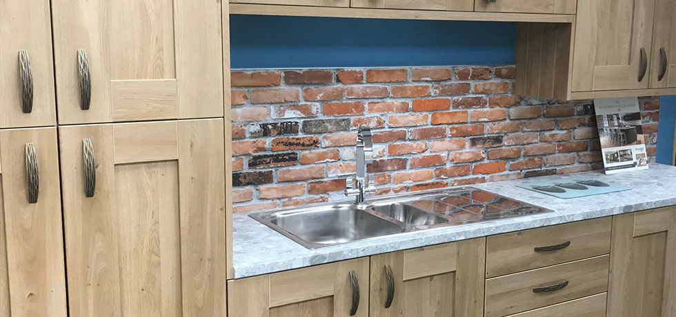 JHC Hardware, Northern Ireland displaying Vista London Brick splashback
