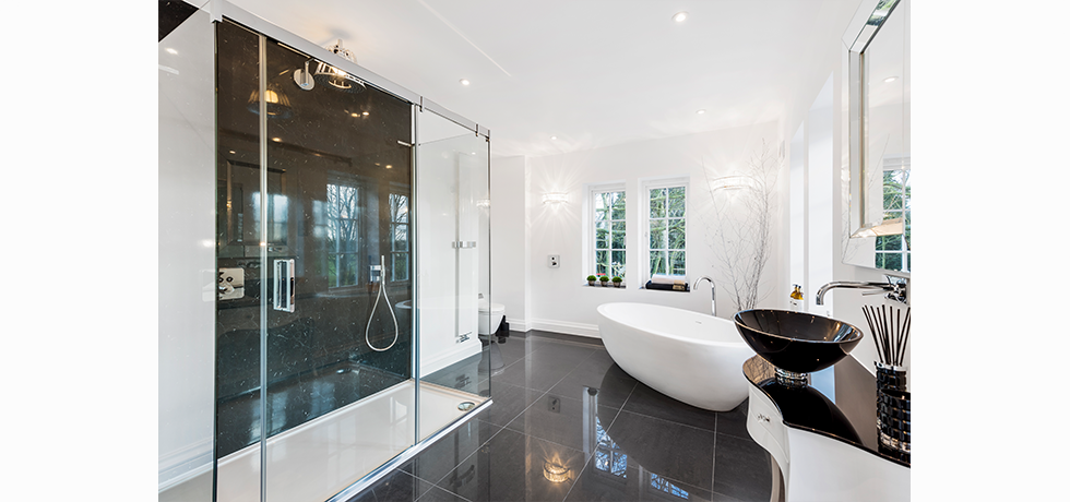 Kuche & Bagno Kitchens & Bathroom Interiors displaying Nuance Marble Noir.